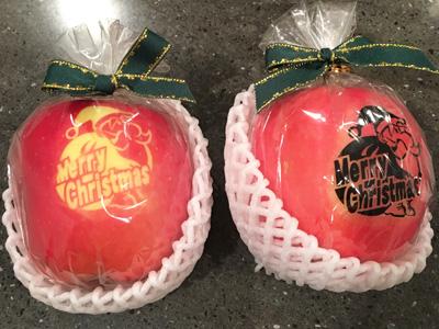クリスマス仕様のりんご