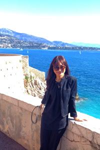 モナコの青い海