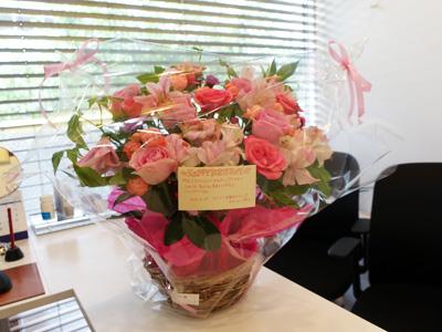 誕生日のお花スタッフから
