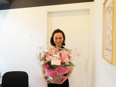 スタッフからのお花のプレゼント