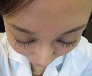 まつ毛の医療用育毛剤